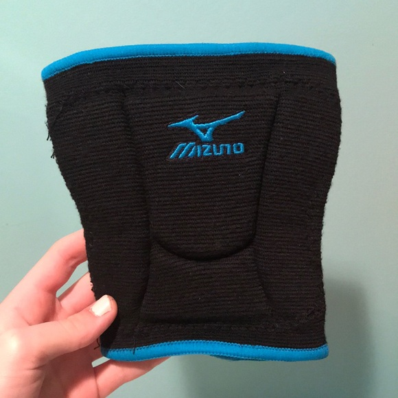 mizuno youth volleyball knee pads
